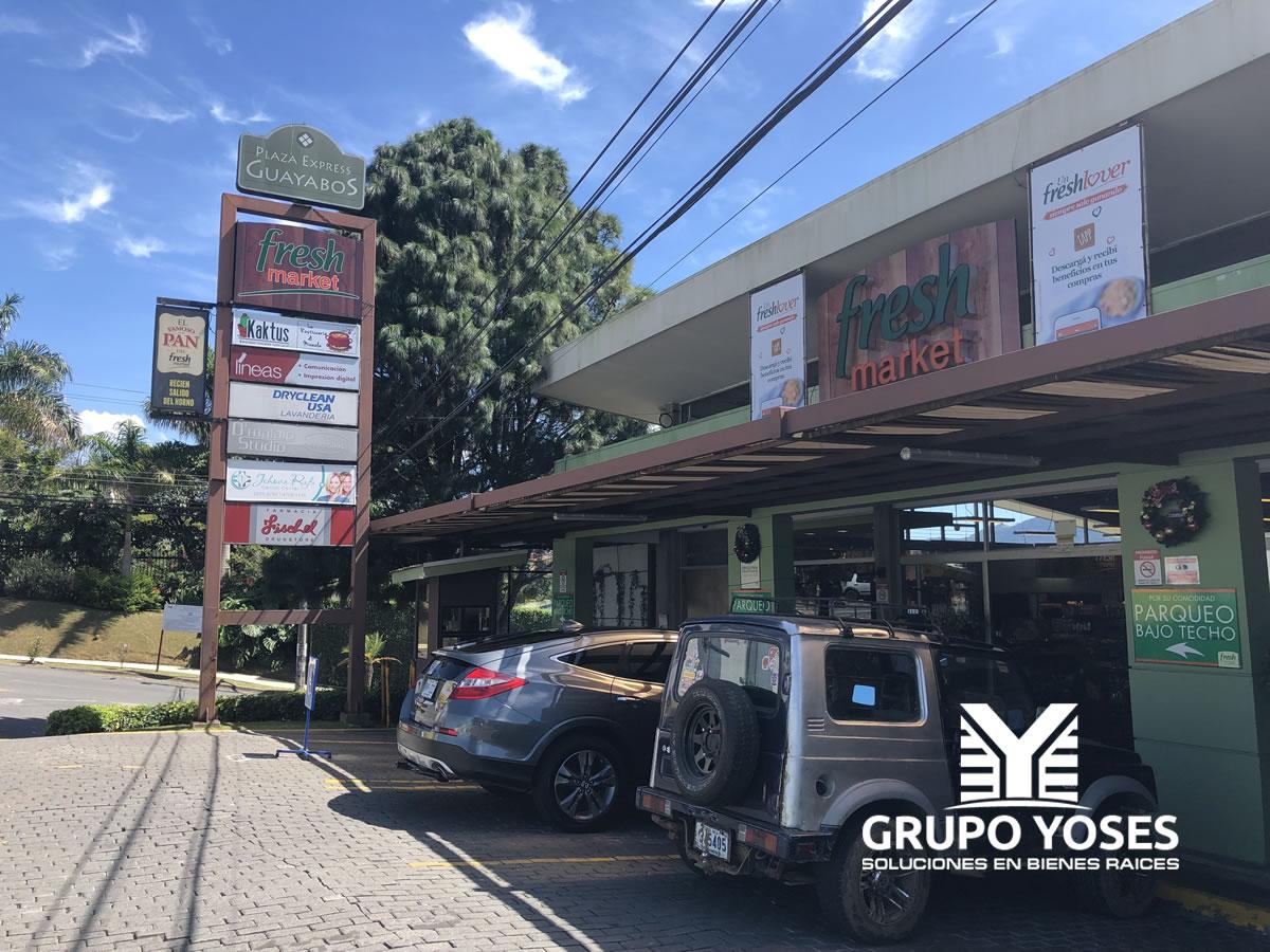 Plaza Express Pinares - Grupo Yoses