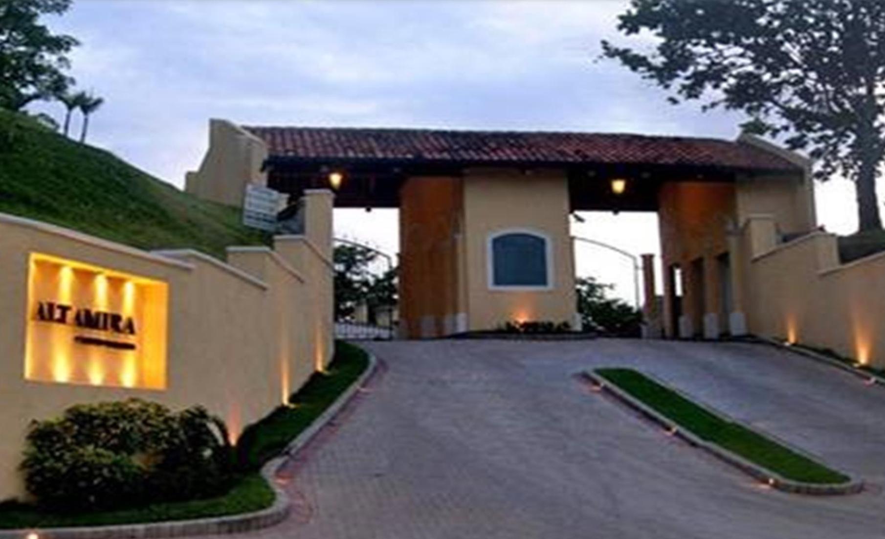Condominio Altamira